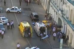 При наезде такси на пешеходов в Москве пострадали иностранцы - «Здоровье»