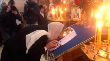 Юлія Тимошенко помолилася за мир та українських військових у прифронтовій Костянтинівці - «Культура»