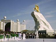 Туркмения: Все царство за коня (Eurasianet, США) - «ЭКОНОМИКА»