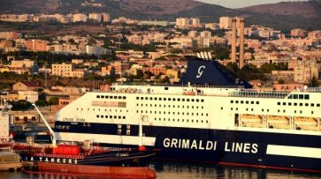 На круизном судне у берегов Сардинии произошла авария - «Политика»