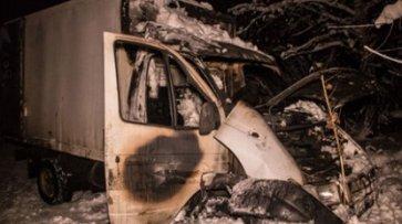 В Киеве водитель заживо сгорел в машине - «Происшествия»