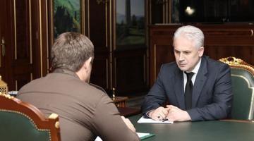 Кадыров по неизвестной причине временно передал полномочия Хучиеву - «Авто новости»