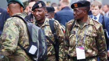 Взвод африканских солдат промаршировал по улицам Омска в День защитника Отечества - «Экономика»